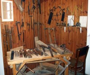 Carpentry_hand_tools
